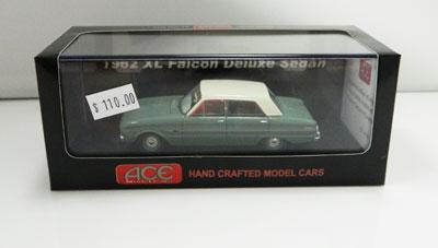 Ford Falcon XL Deluxe 1962 Futura Sedan-Green/White